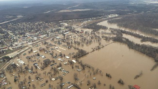 7 photos that capture the severity of the Missouri flooding