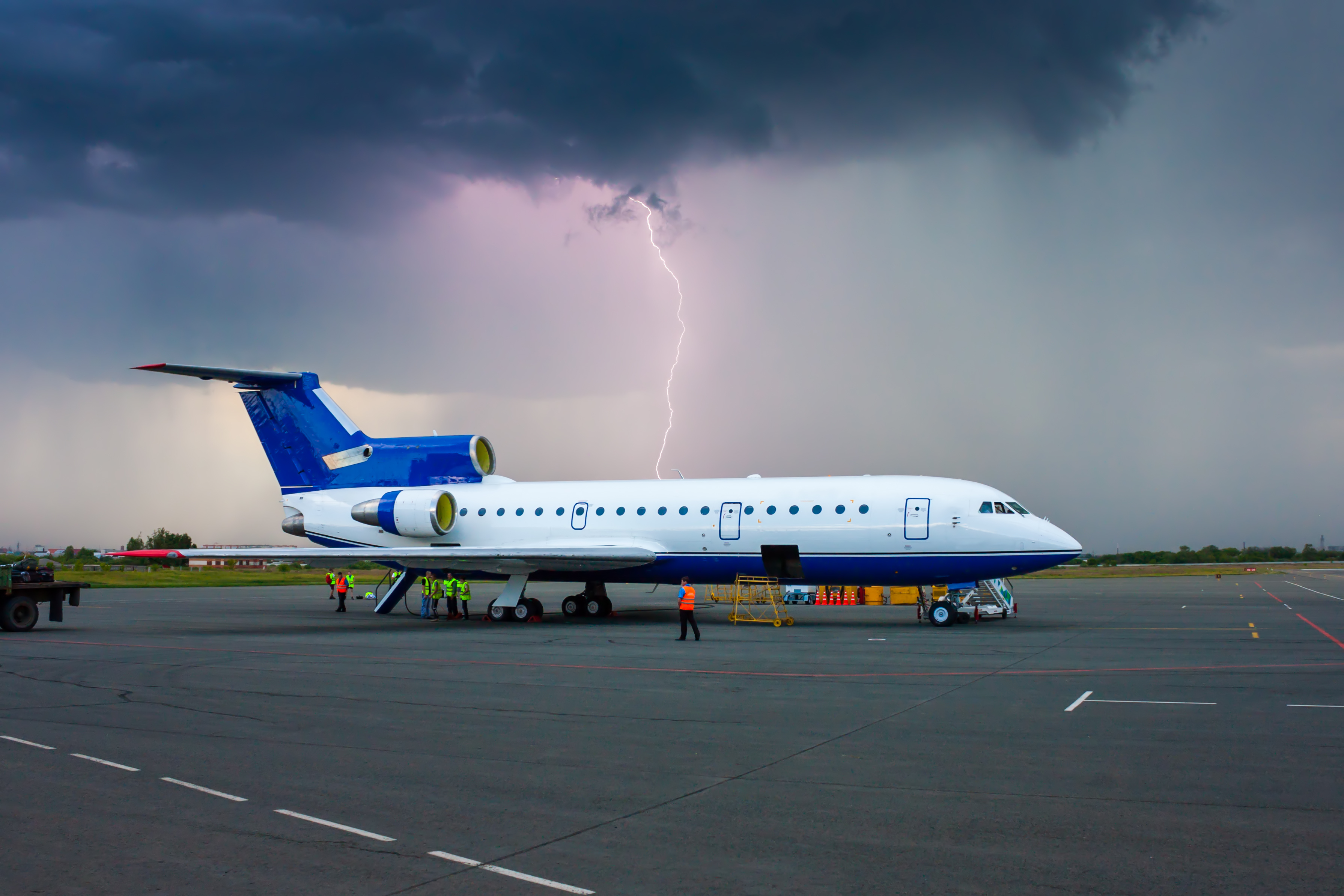 Tornadoes and travel: How to stay safe inside an airport or
