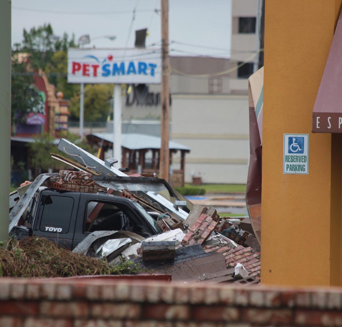 Photos: 3 tornadoes injure dozens in Tulsa, Oklahoma, area