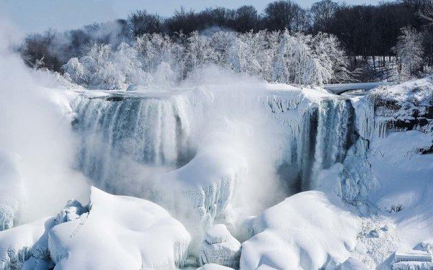 Niagara Falls Looks Like A Winter Wonderland After This Last