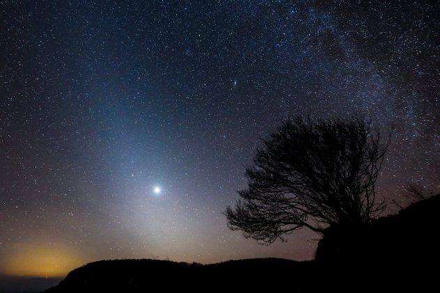 ap zodiacal light