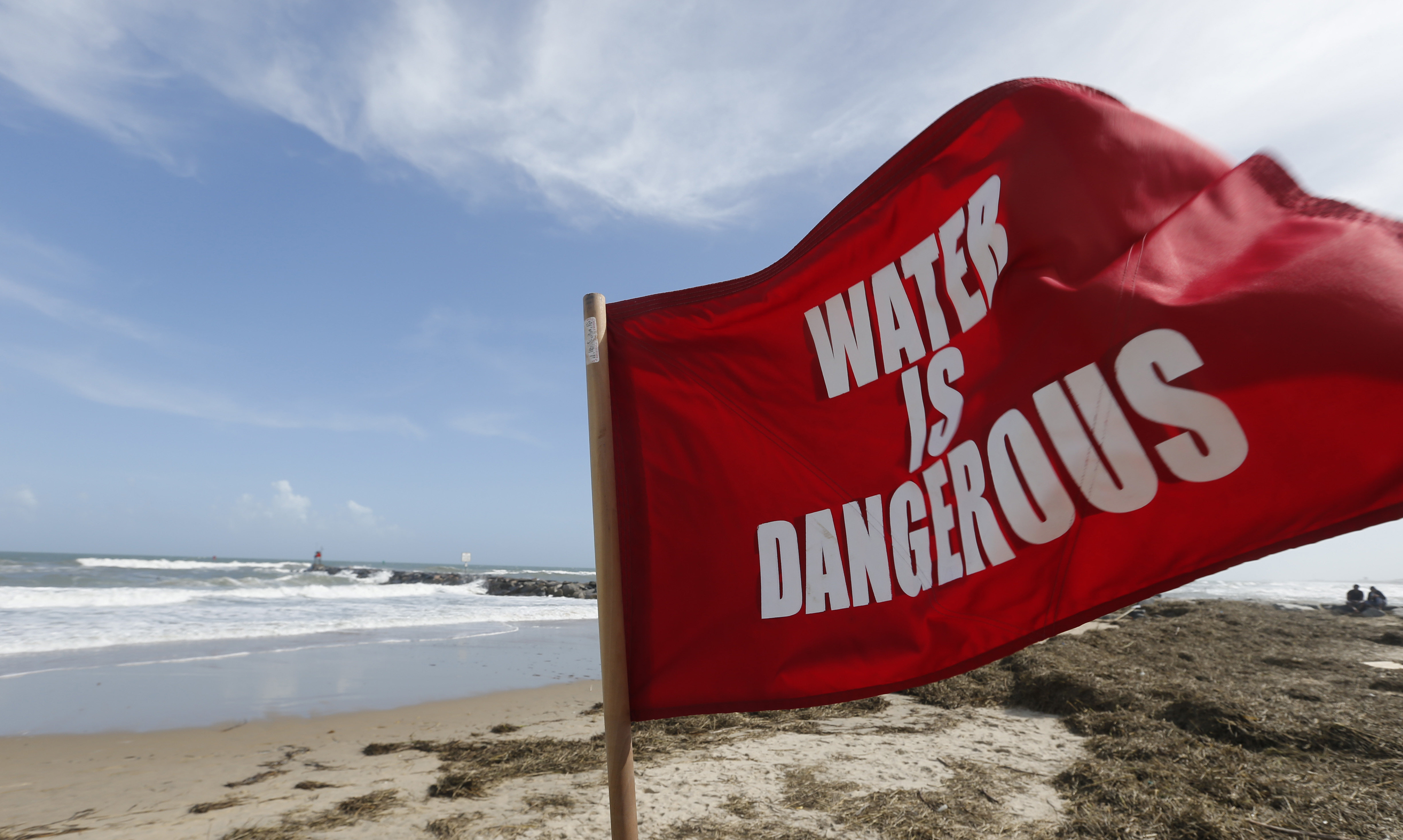 Do you know which beach flags mean dangerous swimming conditions ...