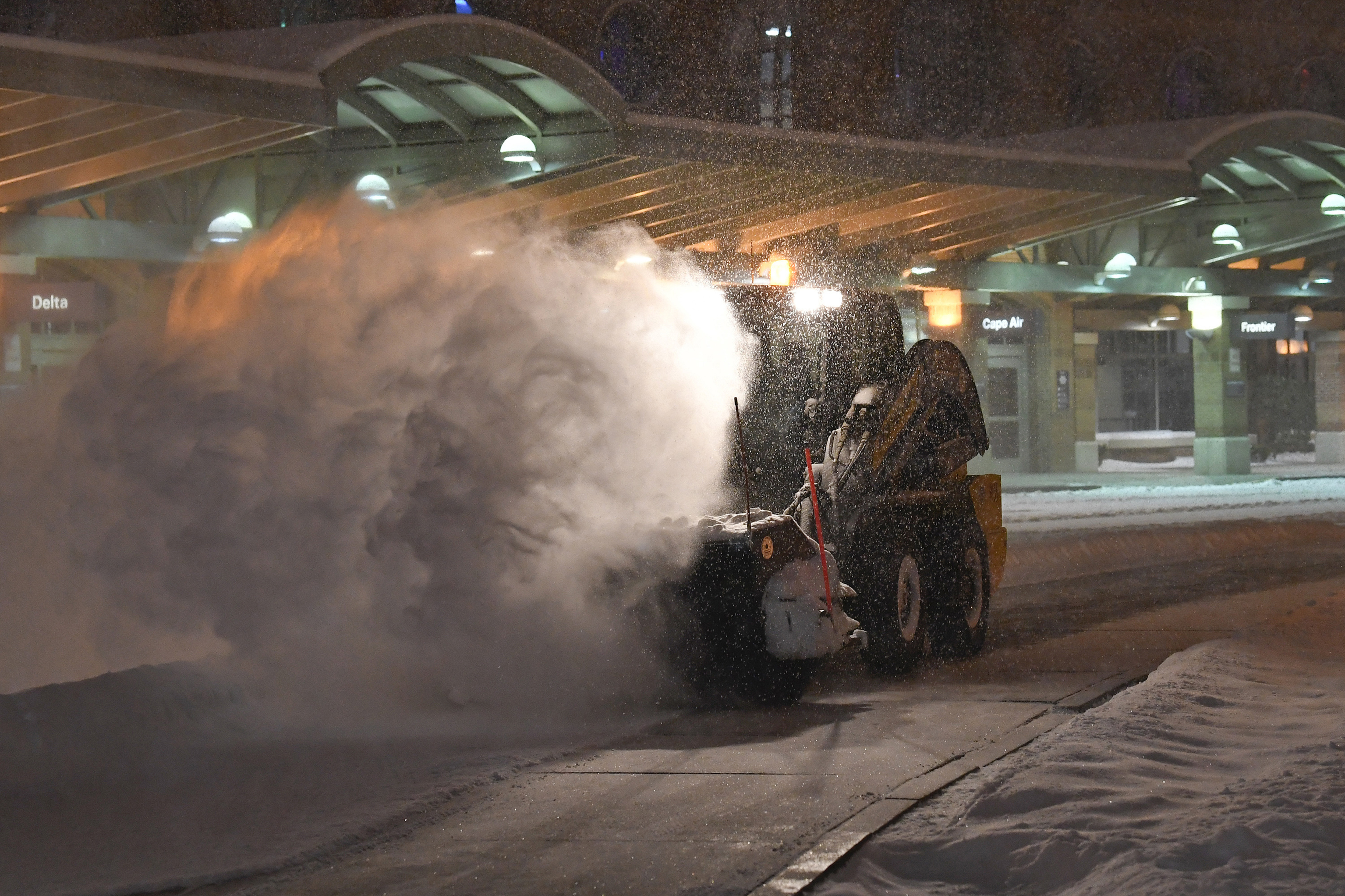 Reports: Snowstorm ramps up in Northeast after turning