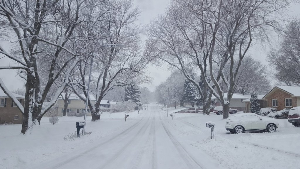 Storm reports: Deadly winter storm spreads snow, ice into