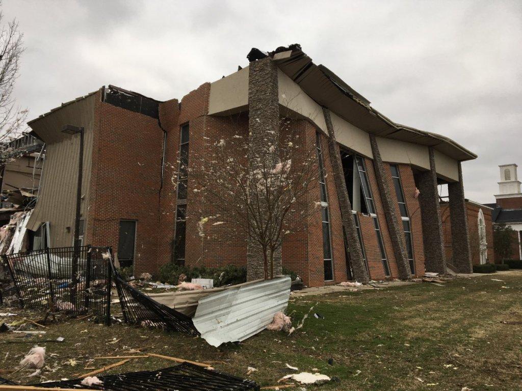 Damage from EF2 tornado reported in Wetumpka, Alabama