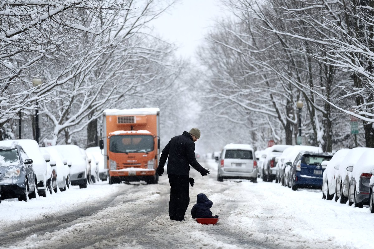 Storm reports: Heavy snow, ice disrupt travel in the mid