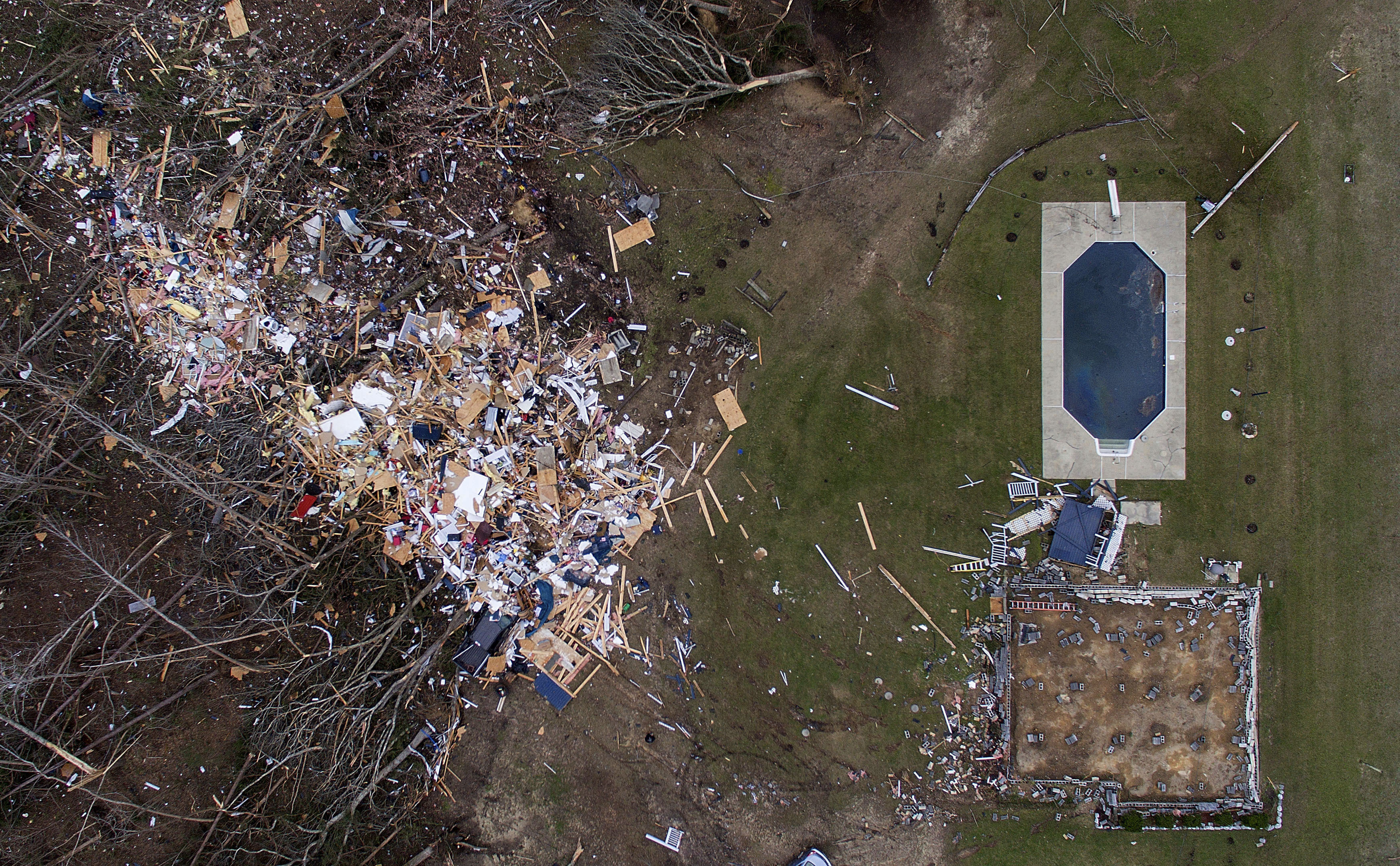 Tornado victims pick up the pieces in Alabama after
