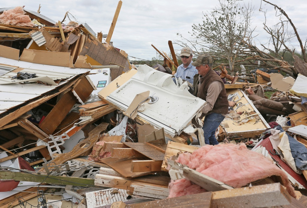 2 young brothers among 9 killed in destructive tornado
