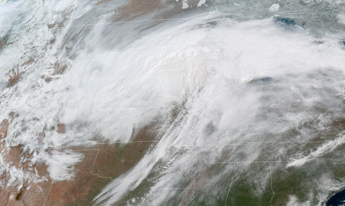 Relentless spring snowstorm continues pummeling central US