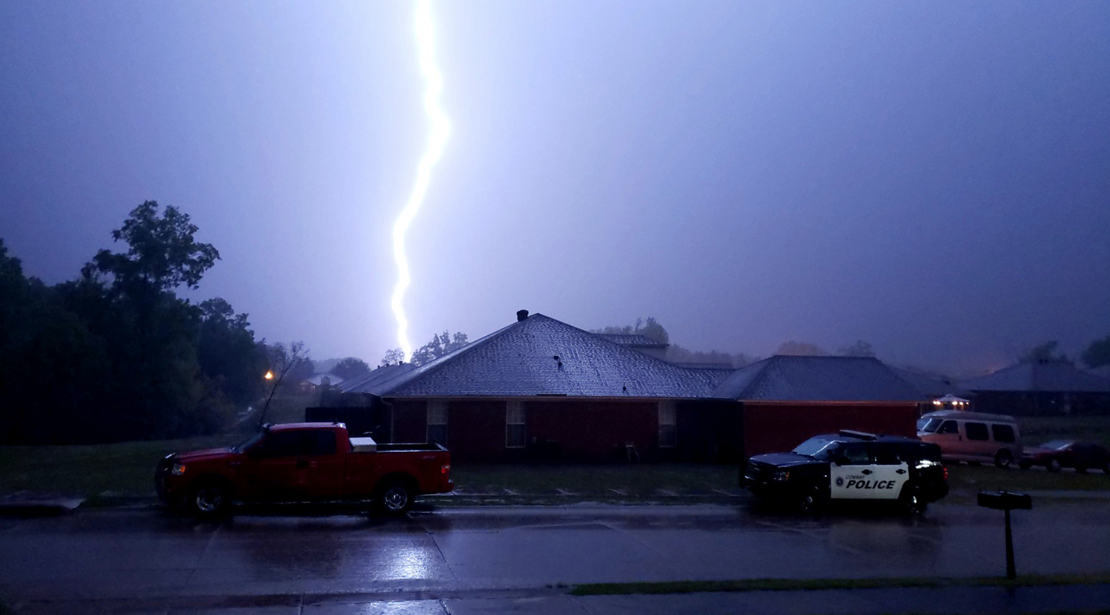 At least 5 dead after 3-day severe weather outbreak slams
