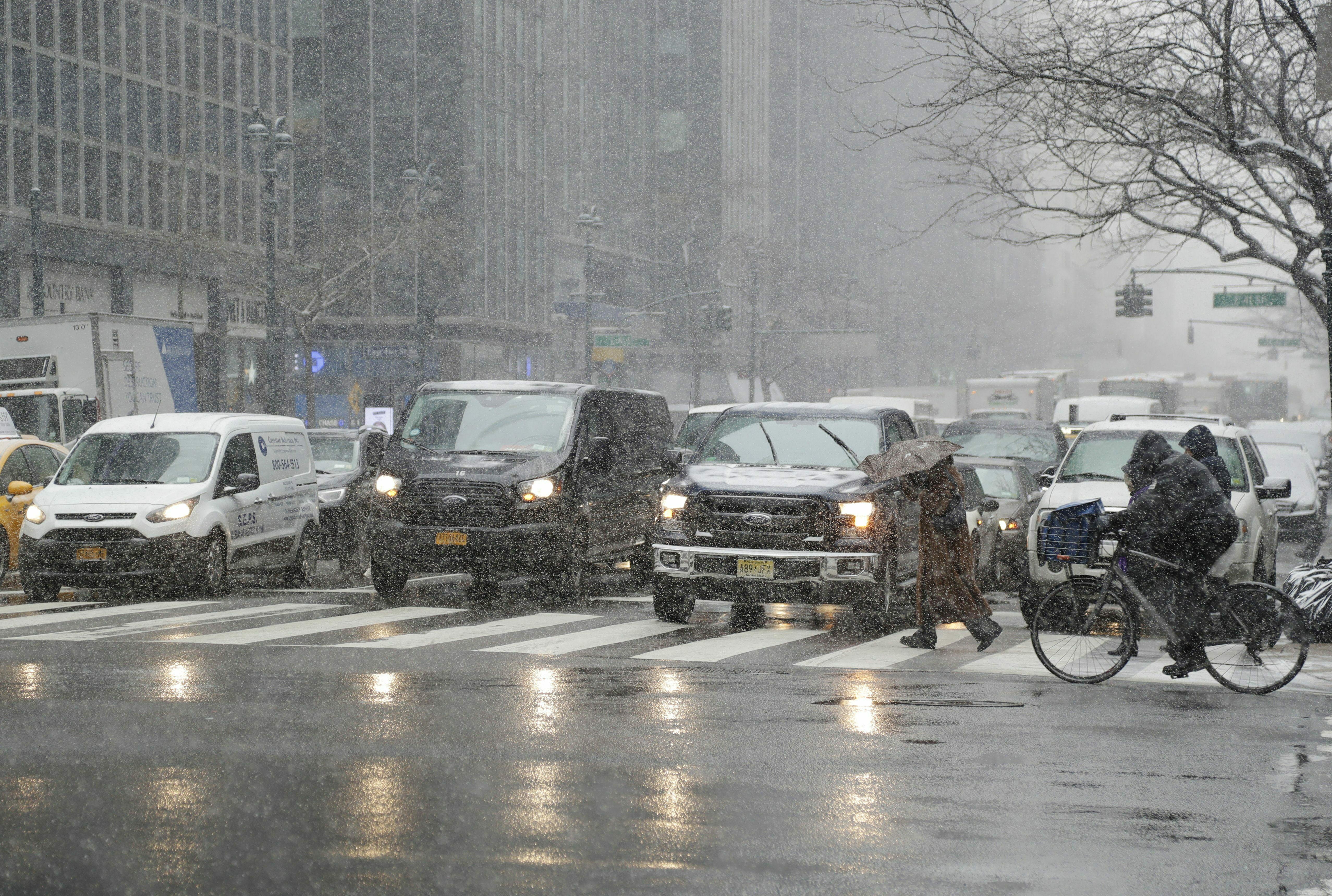Live updates: Monster winter storm snarls travel, cancels