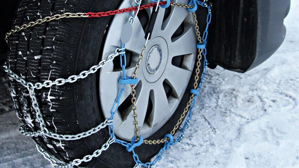 How to easily put on snow chains on car tires | AccuWeather