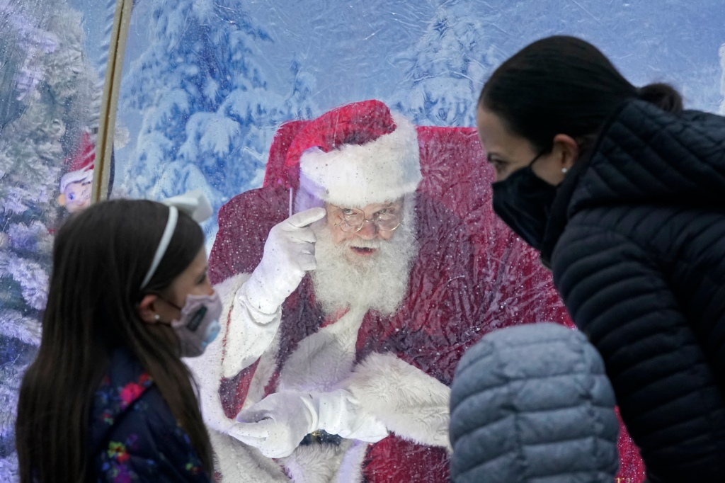 Father Christmas Trolley Square 2021 Accuweather 2020 White Christmas Watch Suit Up Santa Claus Accuweather