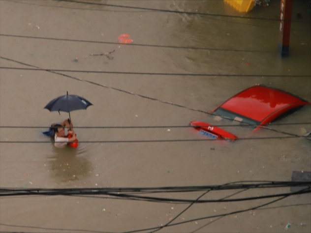 Chinese city inundated with a year's worth of rain in just 4 days 2021-07-21T110738Z_1501042084_MT1IMGCN0006DMY0R_RTRMADP_3_CHINA-CHINESE-RAINSTORM-ZHENGZHOU-HENAN